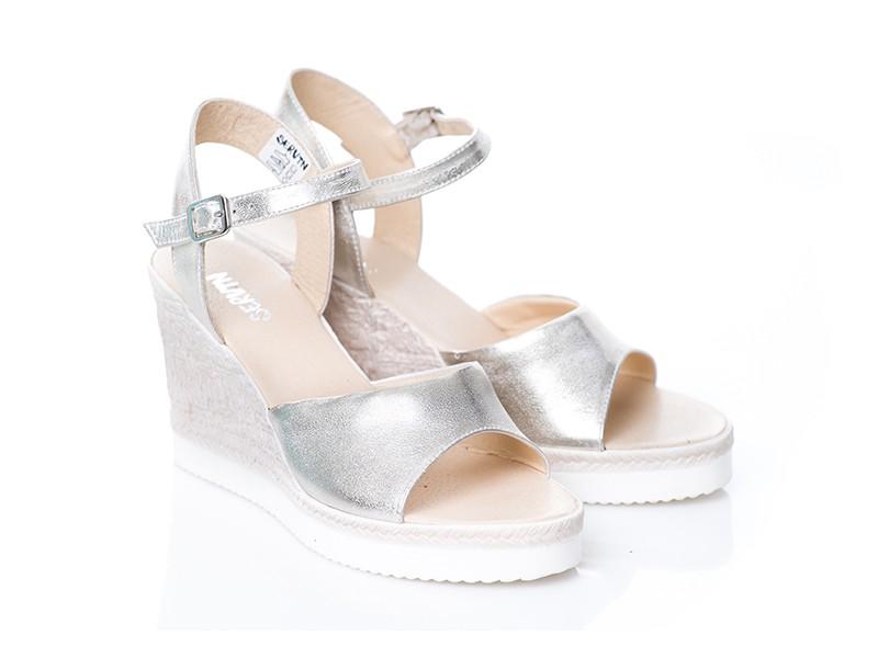 0fac6f0e13e06 Złote sandały ze skóry na koturnie SERWIN - Skora24